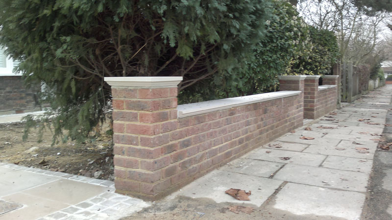 Front garden wall london brickwork for Front garden brick wall ideas